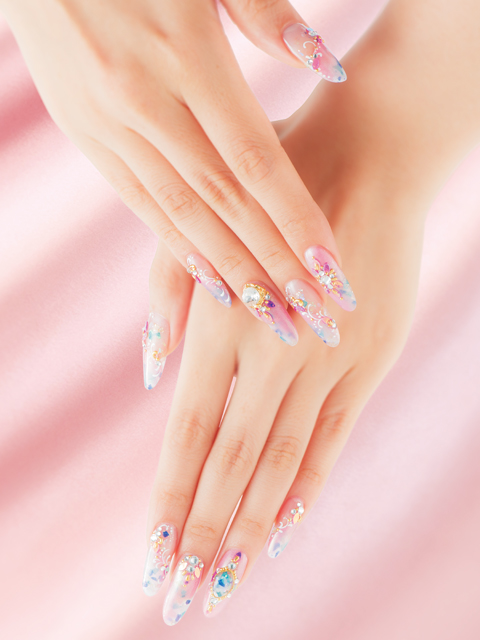 Shell Pink<br />A shell PINK with pearly glow melts into the skin, lending subtle radiance and classiness to the look.